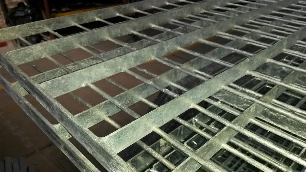 Technos s a galvanizado en caliente for Casetas de acero galvanizado